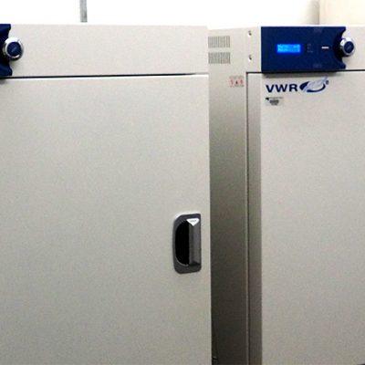 VWR Gravity Convection Oven - 155L : Deux étuves pour séchage d'échantillons